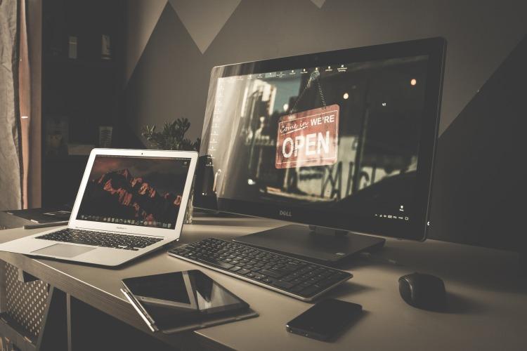 laptop-2558400_1920